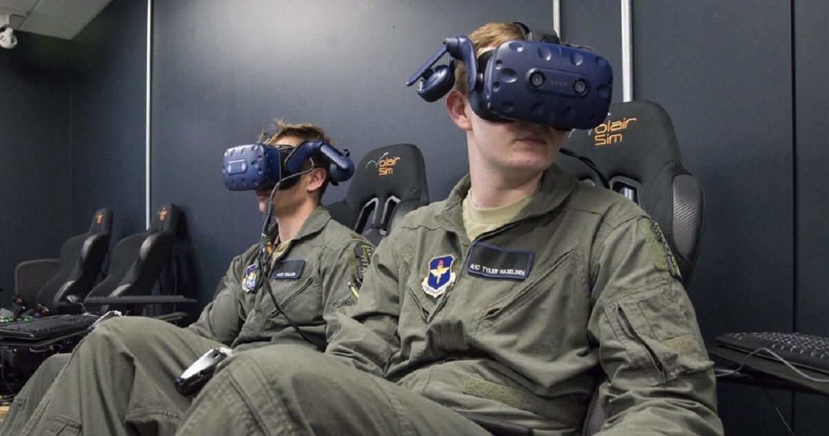 ВВС США ИСПОЛЬЗУЮТ РЕВОЛЮЦИОННЫЙ СПОСОБ ВР ТЕХНОЛОГИЙ В ПОДГОТОВКЕ ВОЕННЫХ ПИЛОТОВ