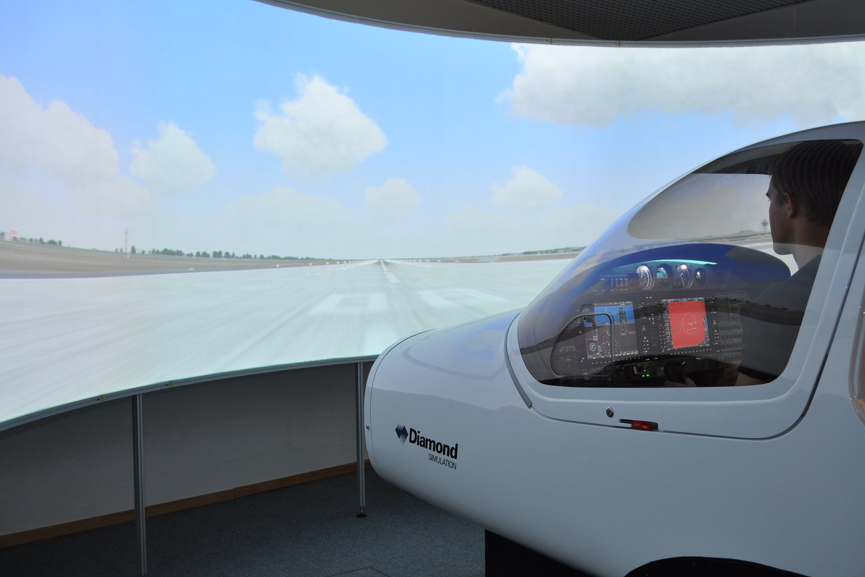 Первый авиасимулятор Euramec Diamond DA-20 на службе в Aeroviation - Сингапур